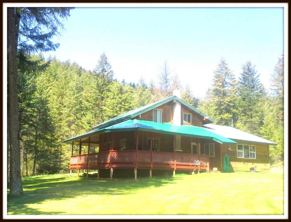 727 dry gulch rd colville wa 99114 washington views for Country style homes wa